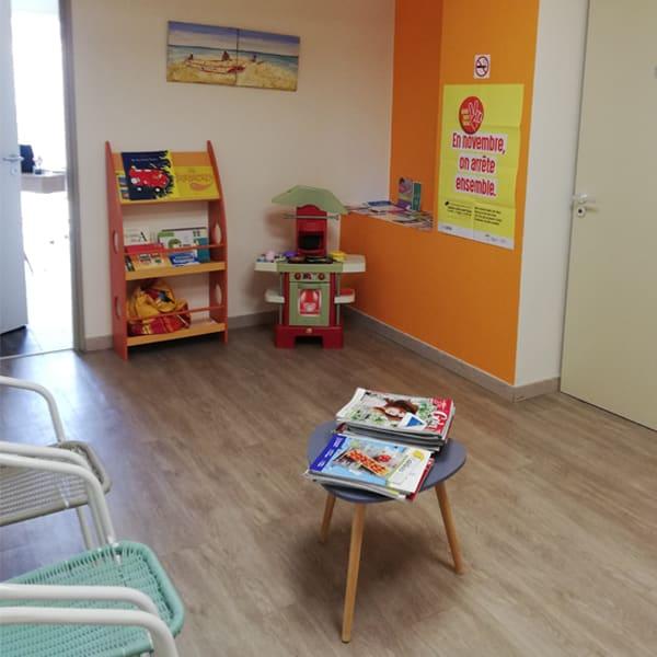 Salle d'attente cabinet de psychologie Buxerolles